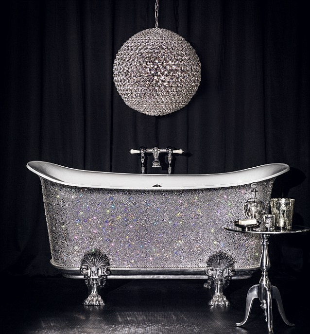 A tub fit for a real lady!